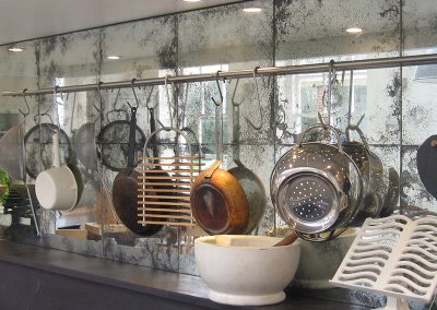 Trendy Mirrored Backsplash