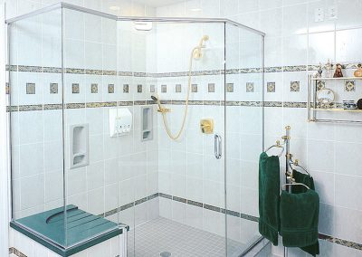 Neo-angle custom size shower door