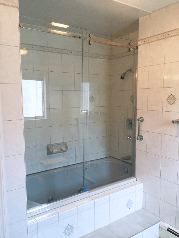 Frameless Glass Bathtub Doors – Redefining Your Bathtub Space ...